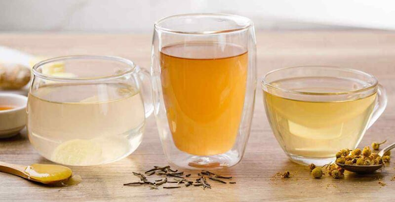 Turmeric and apple cider vinegar detox tea