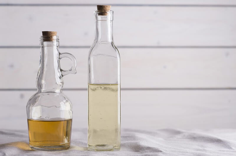 White Vinegar And Apple Cider Vinegar