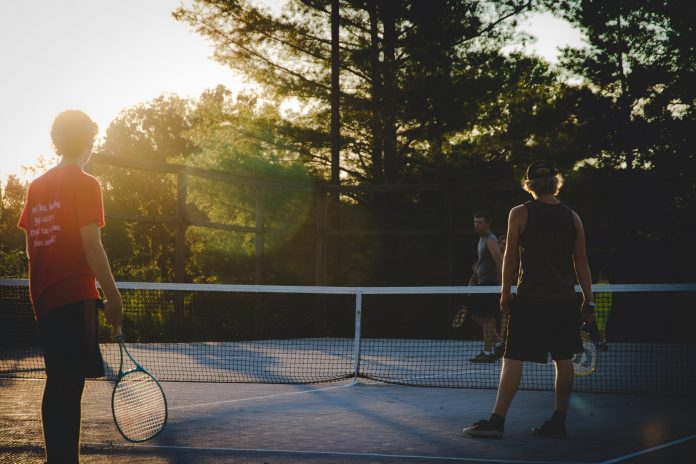 Tennis and its benefits to health and mental well-being