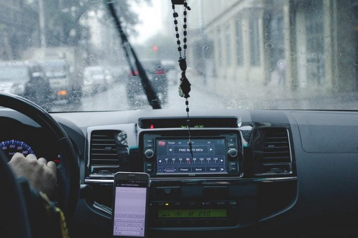 tips for driving in the rain